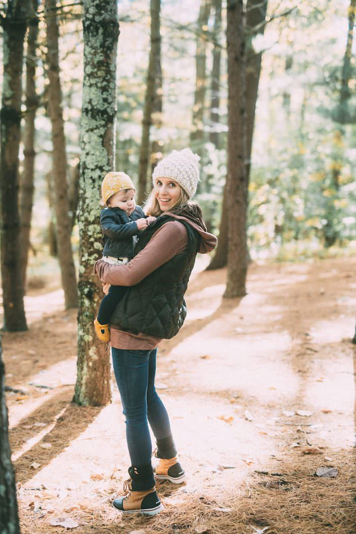 Morning Hikes & Best Outdoor Clothing // Mom Style