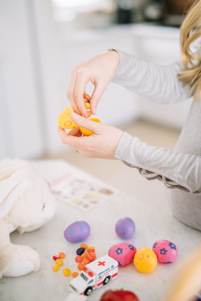 Last minute easter basket ideas for kids lynzy co looking for some last minute easter basket ideas for kids here are some great ideas negle Image collections