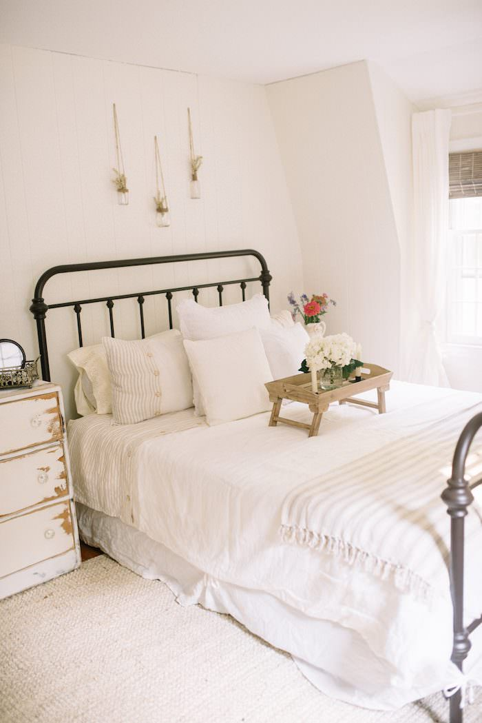 guest bedroom makeover farmhouse guest bedroom makeover lynzy amp co 11763