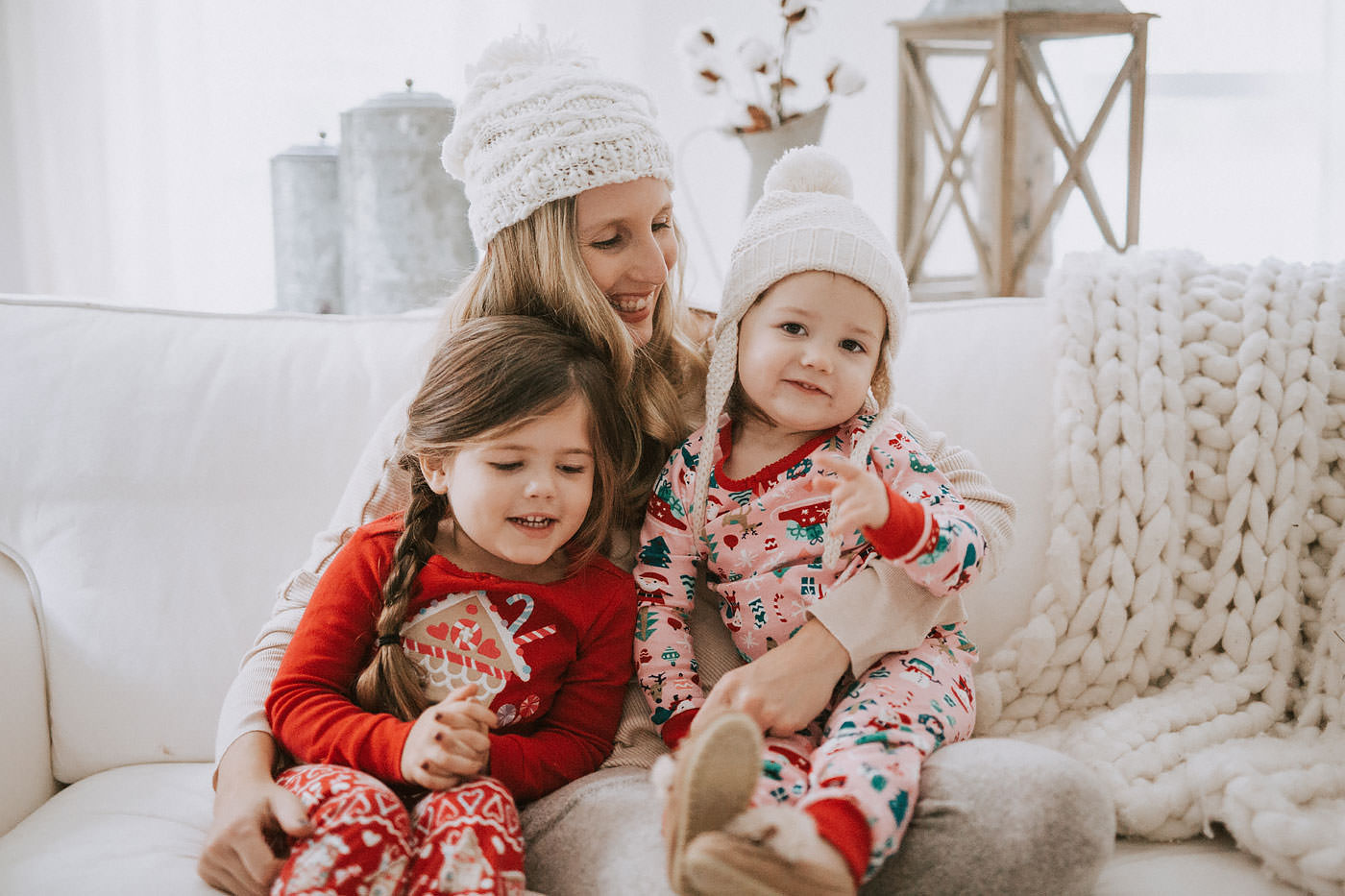 Motherhood blogger, Lynzy & Co. talks about holiday traditions with her family with Christmas Pajamas from Gymboree!