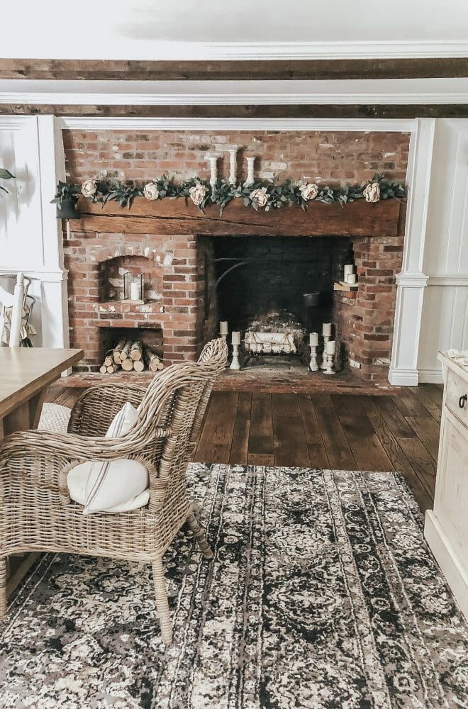 Lynzy & Co. gives her fireplace mantel a little revamp with Home Depot!