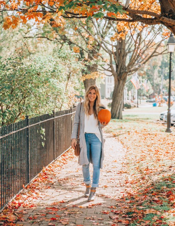 4 must have items for fall with motherhood style blogger, Lynzy & Co.